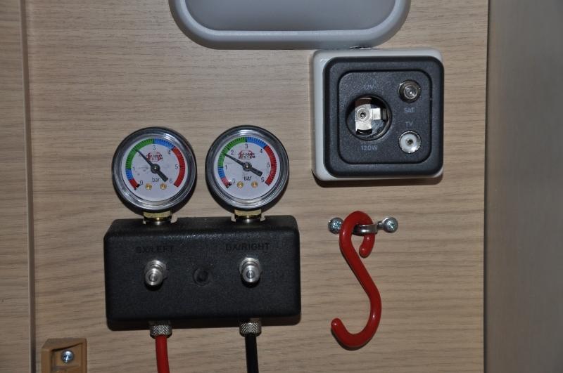 omanometri controllo sospensioni pneumatiche